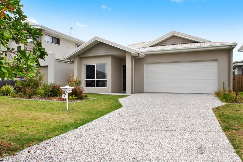 10 Waters Close, HOPE ISLAND, RES2441